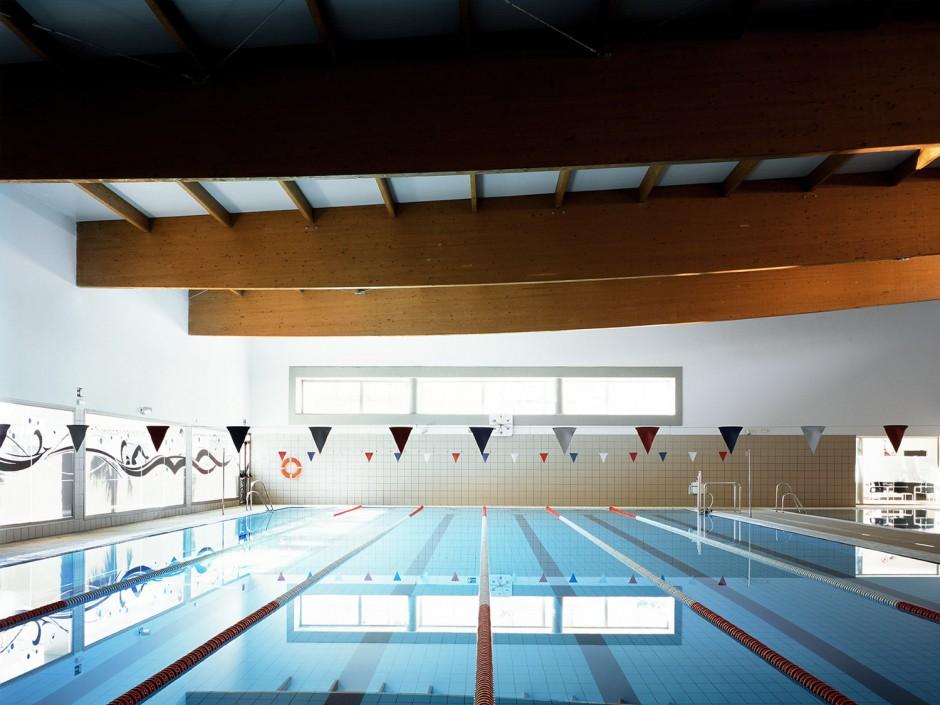 Centro deportivo y piscina climatizada en alcal la real for Piscina cubierta alcala la real