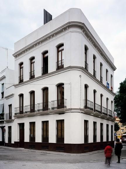 Edificio de viviendas Plaza de los Terceros, Sevilla